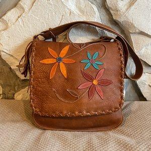 Gorgeous handmade leather messenger style bag 🌻